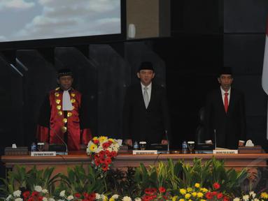 Jokowi dan Ahok menghadiri pelantikan pimpinan DPRD DKI Jakarta, (26/9/14). (Liputan6.com/Herman Zakharia)