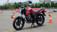 Ubahan pada all new Honda CB150 Verza cukup signifikan namun tidak meninggalkan kesan gagah. (Septian/Liputan6.com)