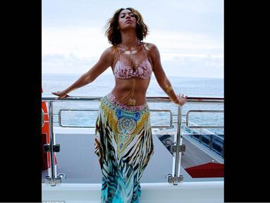 Beyonce merayakan ulang tahunnya dengan liburan bareng suami, anak, dan ibunya di Perancis bagian selatan, (17/9/14). (Dailymail)