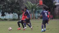 Suasana sesi latihan skuat Persis Solo sebelum pandemi COVID-19 melanda dan menghentikan semua aktivitas sepak bola di Indonesia. (Bola.com/Vincentius Atmaja)