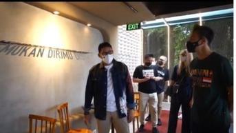 Daniel Mananta Buka Hotel Bertema Indonesia di Bandung, Diresmikan Sandiaga Uno