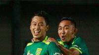 Selebrasi Pemain Persebaya di Piala Menpora 2021 (Bola.com/M Iqbal)