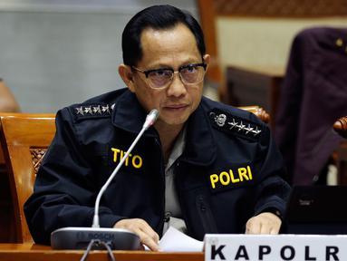 Kapolri Jenderal Pol Tito Karnavian mengikuti raker dengan Komisi III DPR di Gedung Nusantara II, Kompleks Parlemen, Senayan, Jakarta, Selasa (5/6). Rapat membahas Rencana Kerja Anggaran Kementerian/Lembaga (RKA K/L). (Liputan6.com/Johan Tallo)