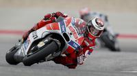 Pebalap Ducati, Jorge Lorenzo, belum sekalipun naik podium pada MotoGP 2017. (EPA/Paul Buck)