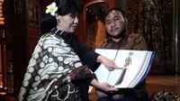 Anne Avantie mengajak Rahmat Hidayat ke Jakarta dan Semarang untuk memperkenalkan dunia fesyen (Liputan6.com/Komarudin)
