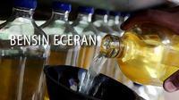 Ilustrasi Bensin Eceran (Liputan6.com/Johan Fatzry)