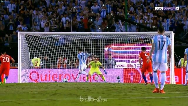 Berita video Lionel Messi mencetak gol tunggal pertandingan dari titik putih saat melawan Cile. This video presented by BallBall
