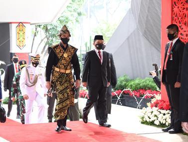 Kenakan Baju Adat Sabu NTT, Jokowi Hadiri Sidang Tahunan MPR