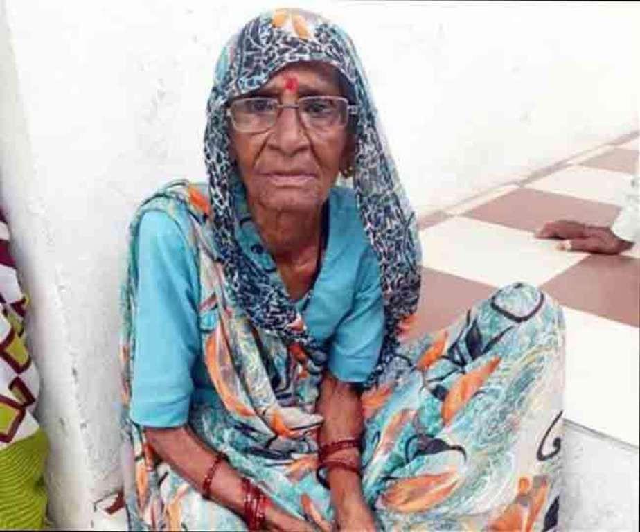 Wanita Ini Bertahan Hidup Hanya dengan Minum Air Putih dan Teh. (Foto: odditycentral.com)