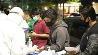 Pemkot Surabaya menggelar rapid test atau tes cepat COVID-19 di Taman Apsari. (Foto: Dok Istimewa)
