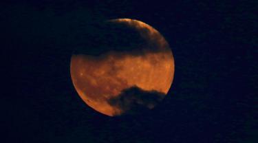 Gerhana Bulan Total di Berbagai Negara