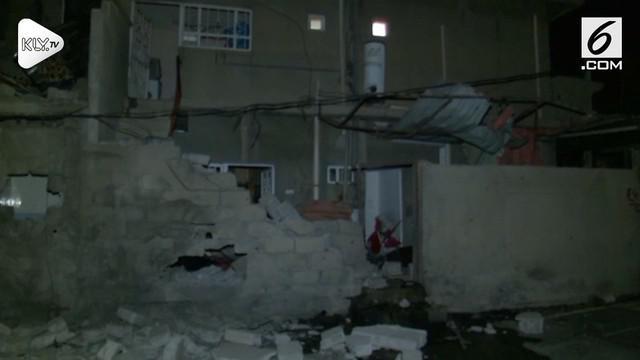 Sebuah bom mobil meledak menyebabkan 6 orang terluka. Korban terluka segera dilarikan ke Rumah Sakit Umum Kirkuk, Irak.