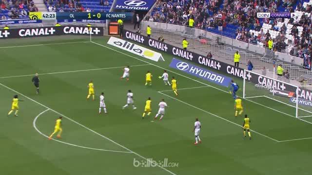 Lyon mencatat kemenangan beruntun ketujuh usai menaklukkan Nantes 2-0 di Liga Prancis dan hasil itu membuat mereka merangkak ke po...