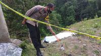Lokasi penemuan mayat pemuda hangus terbakar (Liputan6.com/Fauzan).