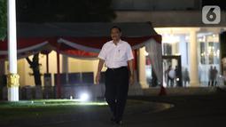 Mantan Menko Kemaritiman Luhut Binsar Panjaitan tiba di Kompleks Istana Kepresidenan di Jakarta, Selasa (22/10/2019). Luhut hadir memenuhi panggilan Presiden Jokowi untuk membahas satu pos menteri Kabinet Kerja periode kedua. (Liputan6.com/Angga Yuniar)