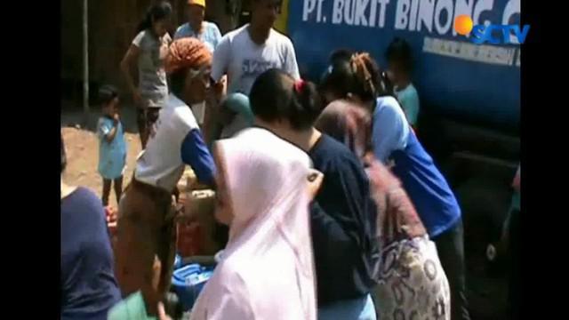Krisis air bersih melanda warga Pangkalan, Karawang, Jawa Barat, dua bulan terakhir.