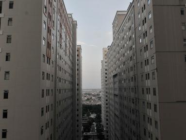 Deretan unit apartemen di Jakarta, Kamis (30/1/2020). Berdasarkan laporan riset Colliers International soal Pasar Properti Jakarta, tingkat serapan penjualan apartemen di Jakarta pada kuartal IV-2019 rata-rata mengalami penurunan sekitar 2 persen ke level 87,2 persen. (merdeka.com/Iqbal S Nugroho)