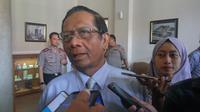 Mahfud MD memberi saran kepada pemerintahan Jokowi untuk menyelesaikan konlik Papua dengan cara persuasif. (Liputan6.com/ Switzy Sabandar)