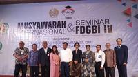 Universitas Negeri Surabaya (Unesa) dan forum dewan guru besar Indonesia menggelar musyawarah dan seminar Internasional FDGBI IV. (Foto: Liputan6.com/Dian Kurniawan)