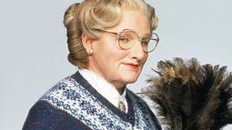 Mrs. Doubtfire (1993). Usai bercerai dengan istrinya, Daniel Hillard (Robin Williams) mengaku kangen dengan anak-anaknya yang diasuh oleh istrinya. Iapun rela menyamar menjadi seorang pengasuh bernama Mrs. Doubtfire di kediaman istrinya (Istimewa)