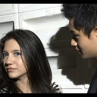 Sinetron Rain menjadi idola baru pemirsa televisi, hubungan rahasia Randy Martin dan Cassandra menjadi kisah menarik.