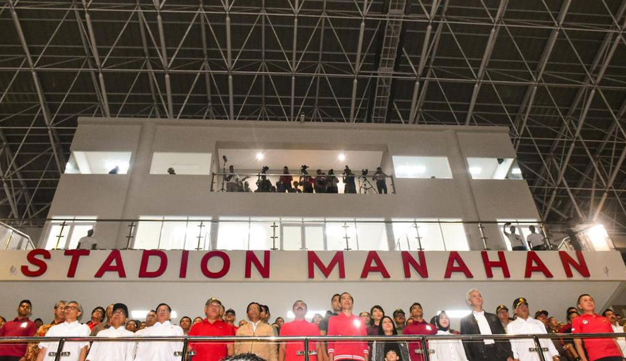 Presiden Indonesia, Joko Widodo, saat meresmikan Stadion Manahan, Solo, Jawa Tengah, Sabtu (15/2/2020). Stadion tersebut merupakan salah satu calon veneu di Piala Dunia U-20 2021 di Indonesia. (Dokumentasi PSSI)