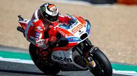 Pebalap Ducati, Jorge Lorenzo, meraih podium pertama musim ini pada MotoGP Spanyol di Sirkuit Jerez, 7 Mei 2017. (Bola.com/Twitter/AutoBildspain)