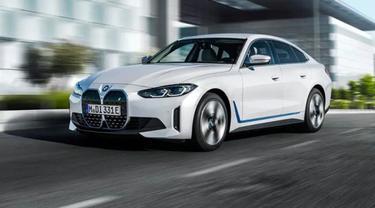 Mobil Listrik BMW i4