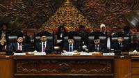 Pimpinan DPR periode 2014-2019, yakni Ketua DPR terpilih Setya Novanto (Golkar) dan 4 Wakil Ketua DPR terpilih, yakni Fadli Zon (Gerindra), Agus Hermanto (Demokrat), Taufik Kurniawan (PAN), dan Fahri Hamzah (PKS). (Liputan6.com/Andrian M Tunay)