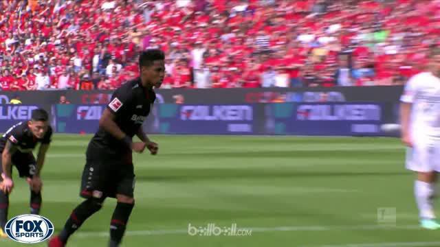 Bayer Leverkusen meraih kemenangan 3-2 atas Hannover, namun tetap gagal mengamankan posisi empat besar klasemen karena kalah selis...