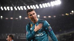 1. Menjuarai tiga liga domestik berbeda di Eropa, yakni Liga Inggris sebanyak tiga kali, Liga Spanyol sebanyak dua kali, dan Liga Italia sekali. (AFP/Marco Bertorello)