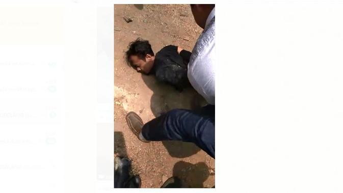 Terduga pelaku penyerangan Menko Polhukam saat ditangkap. (Istimewa)