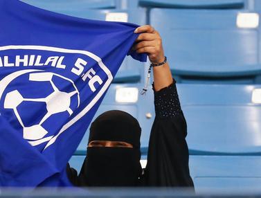 Untuk Pertama Kalinya, Arab Saudi Izinkan Fans Wanita Masuk Stadion