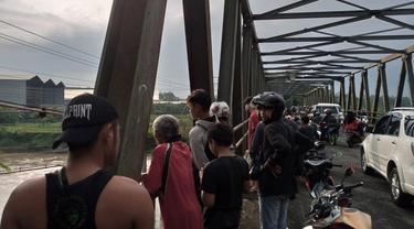 Seorang wanita muda terjun ke sungai Klawing, Purbalingga lantaran depresi terlilit utang. (Foto: Liputan6.com/Polres Purbalingga)