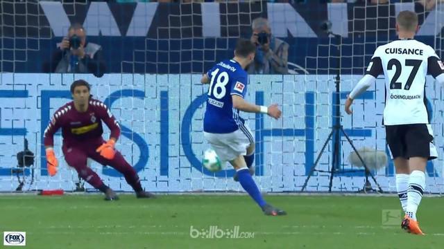 Schalke hanya mampu bermain imbang 1-1 saat menjamu Borusia Monchengladbach. Kehilangan Nabil Bentaleb menit ke-12, Schalke tertin...