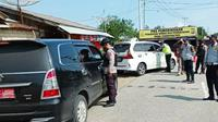 Posko penyekatan larangan mudik di perbatasan Riau yang dibangun polisi dan pemerintah daerah. (Liputan6.com/M Syukur)