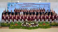 PT. Toyota Motor Manufacturing Indonesia (TMMIN) merayakan kelulusan 63 wisudawan akademi manufaktur otomotif Toyota Indonesia Academy (TIA) di Auditorium Hall TIA, Karawang, Jawa Barat.