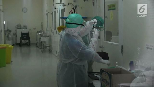 8 orang warga Tangerang terjangkit virus yang menyebar lewat percikan ludah.