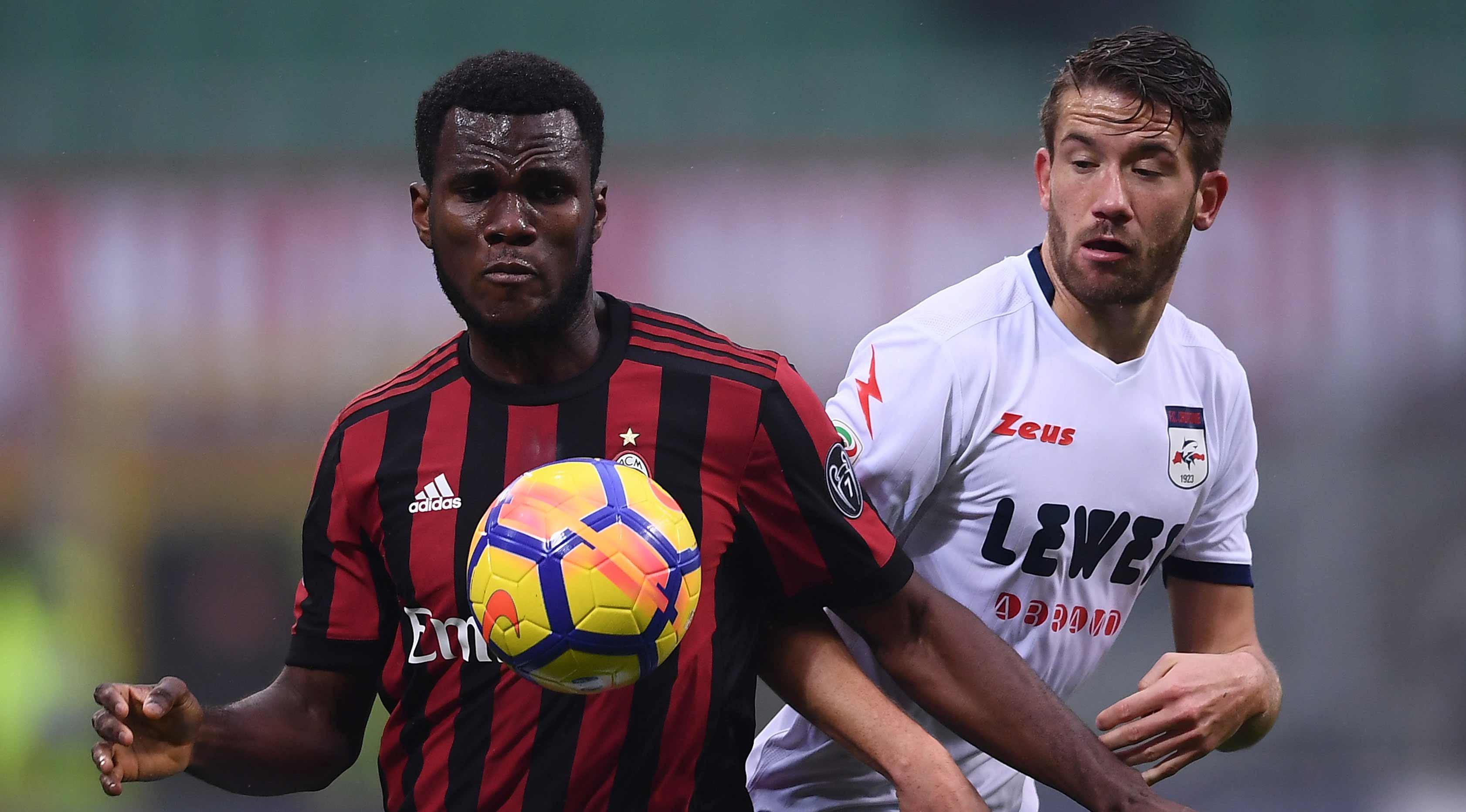 Gelandang AC Milan, Franck Kessie (AFP Photo/Marco Bertorello)