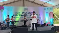 """Tema Hari Disabilitas Internasional di Indonesia yang bertajuk """"Indonesia Inklusi, Disabilitas Unggul"""" berarti Indonesia bersemangat mendorong penyandang disabilitas bisa berperan aktif dan menjadi agen perubahan."""