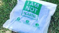 (Foto: Industri Bisnis) Buatan Indonesia, kantung plastik Avani ramah lingkungan.