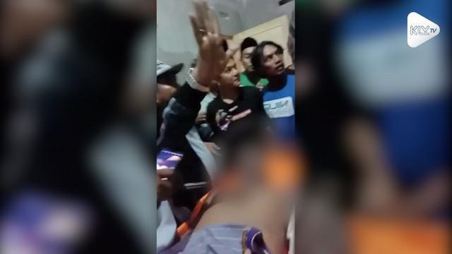 Seorang tahanan pria di Mamuju, Sulawesi Barat ditemukan tewas mengenaskan. Pihak dokter menyimpulkan kematian tahanan tersebut akibat gantung diri.