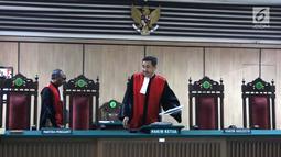 Majelis Hakim usai memimpin sidang cerai mantan gubernur DKI Jakarta Basuki Tjahaja Purnama atau Ahok dengan Veronica Tan di PN Jakarta Utara, Rabu (21/3). Sidang putusan akan dibacakan pada 4 April 2018. (Liputan6.com/Arya Manggala)