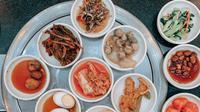 Ilustrasi makanan pendamping di kuliner Korea Selatan. (dok. pexels/Vicky Tran)