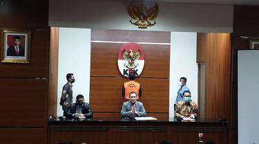 Komisi Pemberantasan Korupsi (KPK) menetapkan Wakil Ketua DPR Azis Syamsuddin sebagai tersangka kasus dugaan suap penanganan perkara di Pemerintahan Kabupaten Lampung Tengah (Pemkab Lamteng).