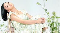 Selain itu, gaya berpakaian Naura pun nampaknya juga berubah. Kini gadis kelahiran tahun 2005 ini nampak lebih sering mengenakan dress yang membuat Naura tampil lebih anggun. (Liputan6.com/IG/naura.ayu)