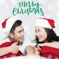 Walaupun tak merayakan Hari Raya Natal, akan tetapi Verrell Bramasta turut mengucapkan Selamat Natal. Ia terlihat memakai topi Santa, selain itu ia tampak berpose dengan Natasha Wilona. (Foto: instagram.com/bramastavrl)