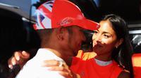 Lewis Hamilton dan Nicole Scherzinger ketika masih mesra. (AFP/Mark Thompson)
