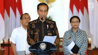 Presiden Joko Widodo memberi keterangan di Istana Kepresidenan Bogor, Jawa Barat, (12/6). Jokowi memandang bahwa Amien Rais memiliki pengalaman panjang dalam politik Indonesia. (Liputan6.com/Pool/Biro Setpres)