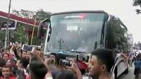 Demam klakson telolet bus juga melanda warga Ibu Kota.
